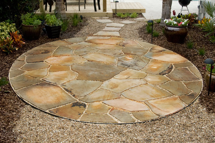 Dry Laid Tennessee Flagstone With Pea Gravel